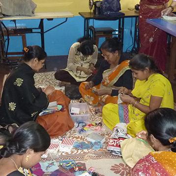 B-02-Acciones-aller-de-bordadoras-de-Calcuta